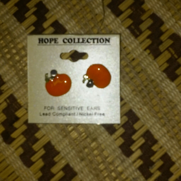 Hope Collection Jewelry - Pumpkin Earrings Rare Vintage FIND